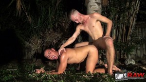 Luke Wilde Bareback Fucks Crash Michael